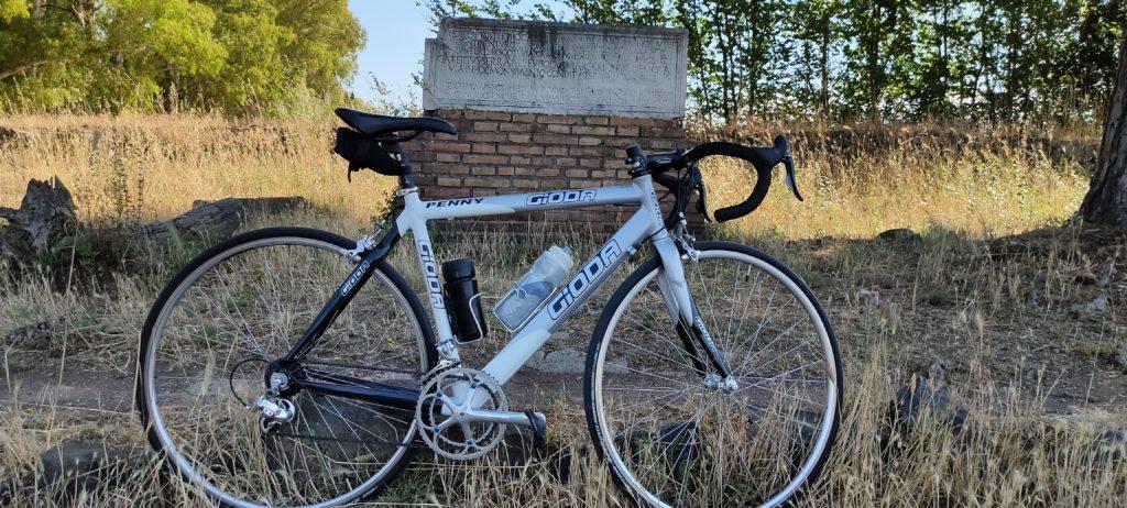 In bici sull'appia antica - Foto aggynomadi