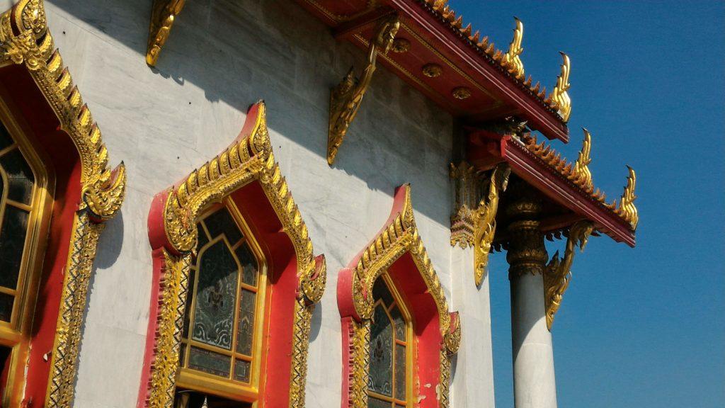 Bangkok, I Dettagli dorati del Tempio di Marmo - (foto aggynomadi)