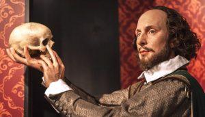 Hamlet-Amleto-scena-teatrale-1024x585