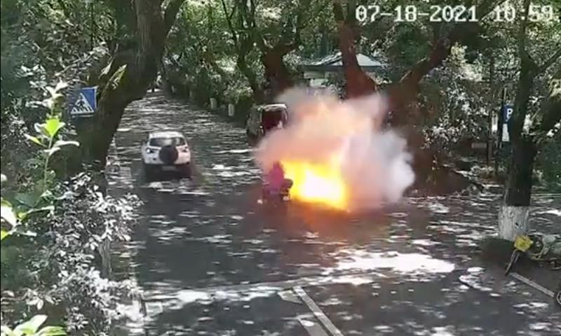 Una ebike brucia in Cina