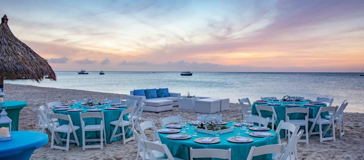 La spiaggia e il mare dell'Hilton Aruba Caribbean Resort & Casino